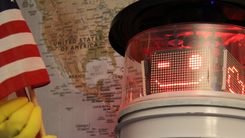 hitchbot_usa_3_hires